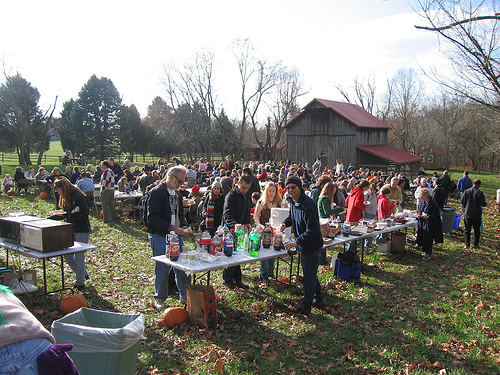Poplar Springs Hosts Turkey-Friendly Thanksgiving Meal